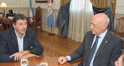 Bonfatti con las nuevas autoridades de Federación Agraria