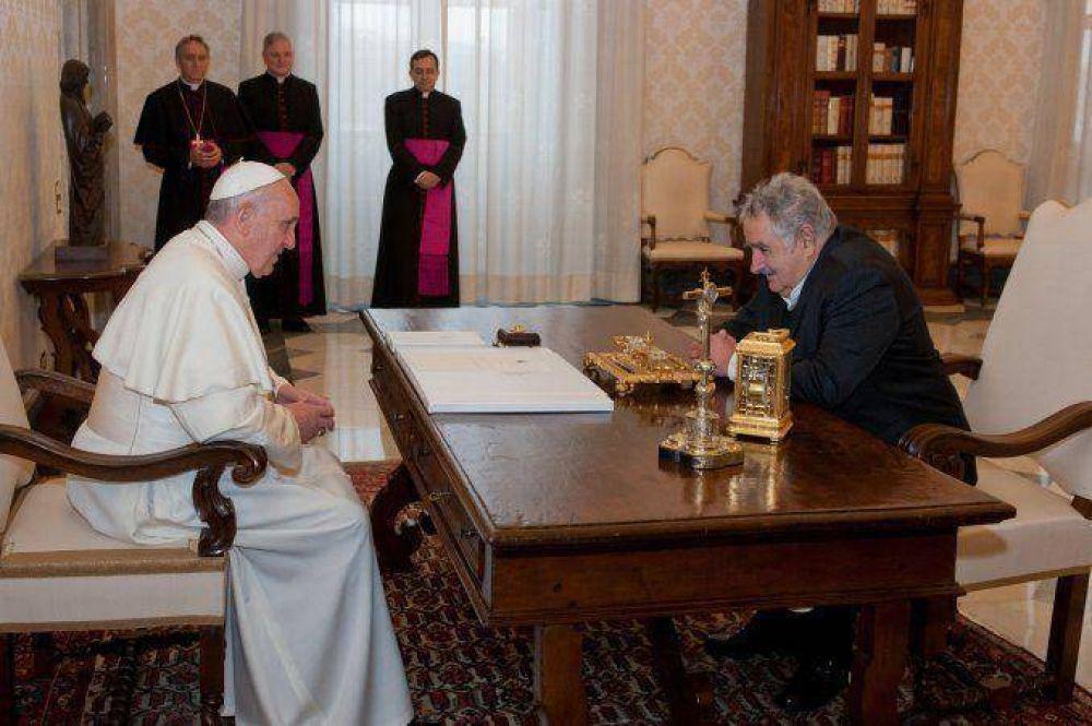 El Papa ofreció ayuda para aclarar las desapariciones durante la última dictadura uruguaya