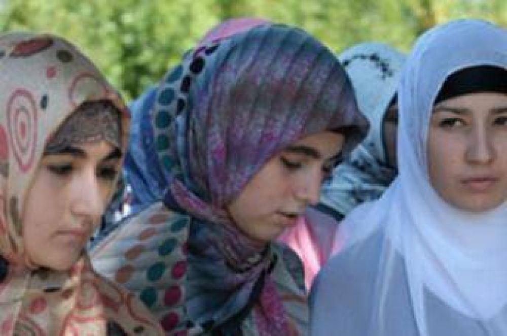 Ministerio de Educación de Rusia se opone al hiyab en las escuelas