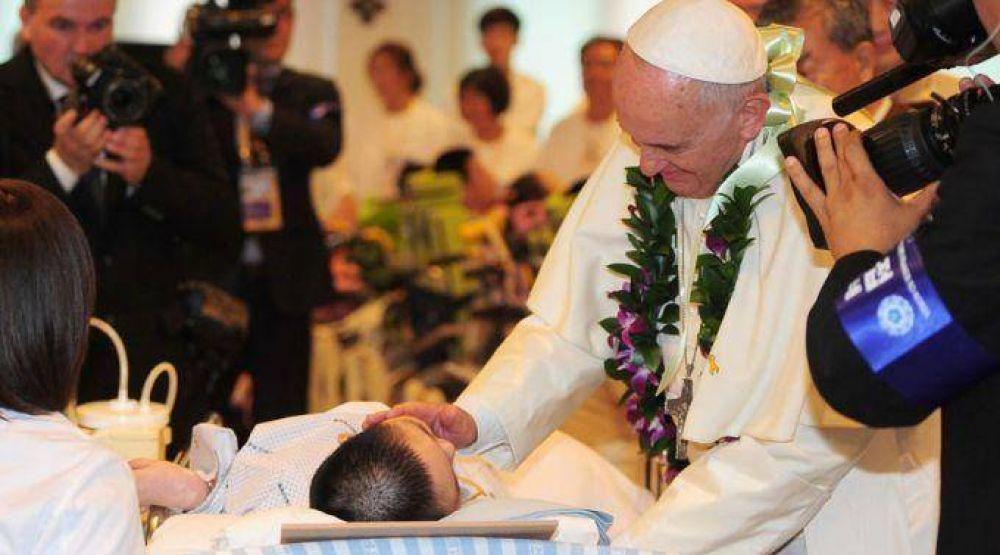 Servir y curar a un enfermo es servir a Cristo, dice el Papa Francisco