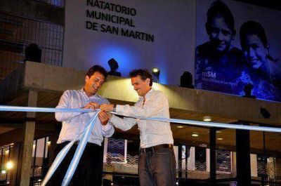 Junto a Massa, Katopodis inauguró el primer natatorio municipal de San Martín