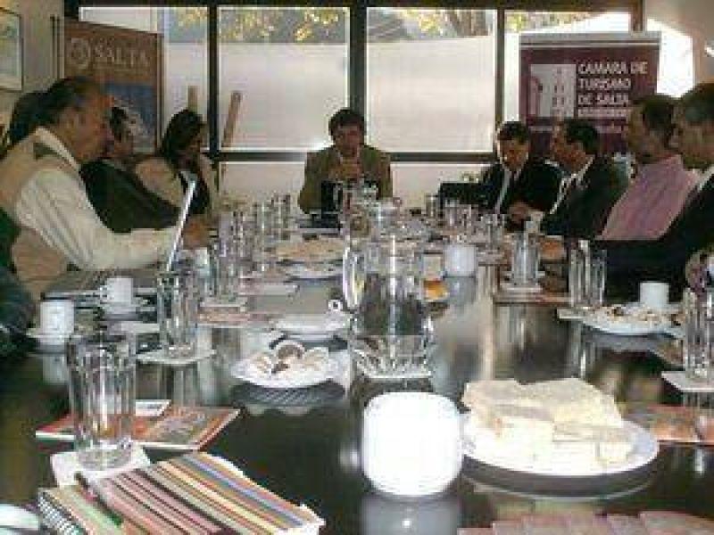 El sector privado del turismo y los organismos Publicos coordinan un concurso.
