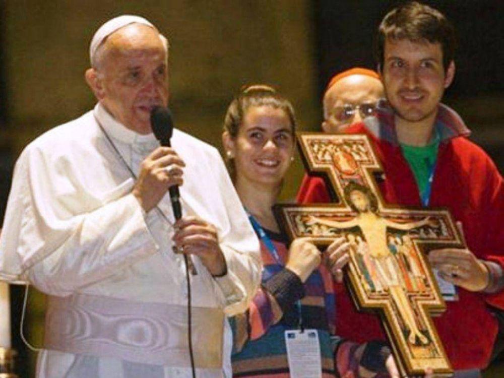 Cruz bendecida por el Papa Francisco recorre Jujuy