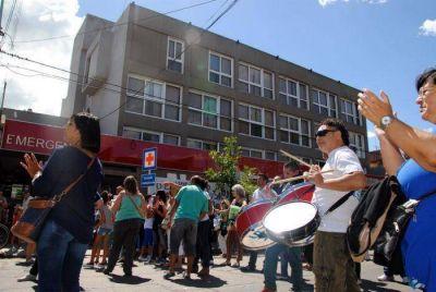 """Trabajadores del Sanatorio Belgrano se mostraron """"hartos"""" por el atraso de los salarios"""
