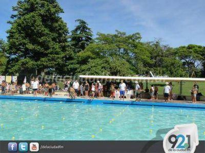 Se realizó un Torneo de Natación en el Parque Municipal