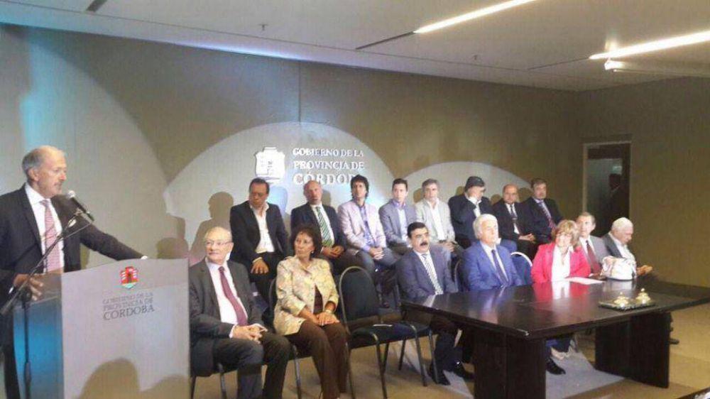 DAIA: Con un fuerte pedido de justicia por el atentado y la muerte de Nisman, la filial de Córdoba realizó su homenaje a la Shoá junto al gobernador De la Sota