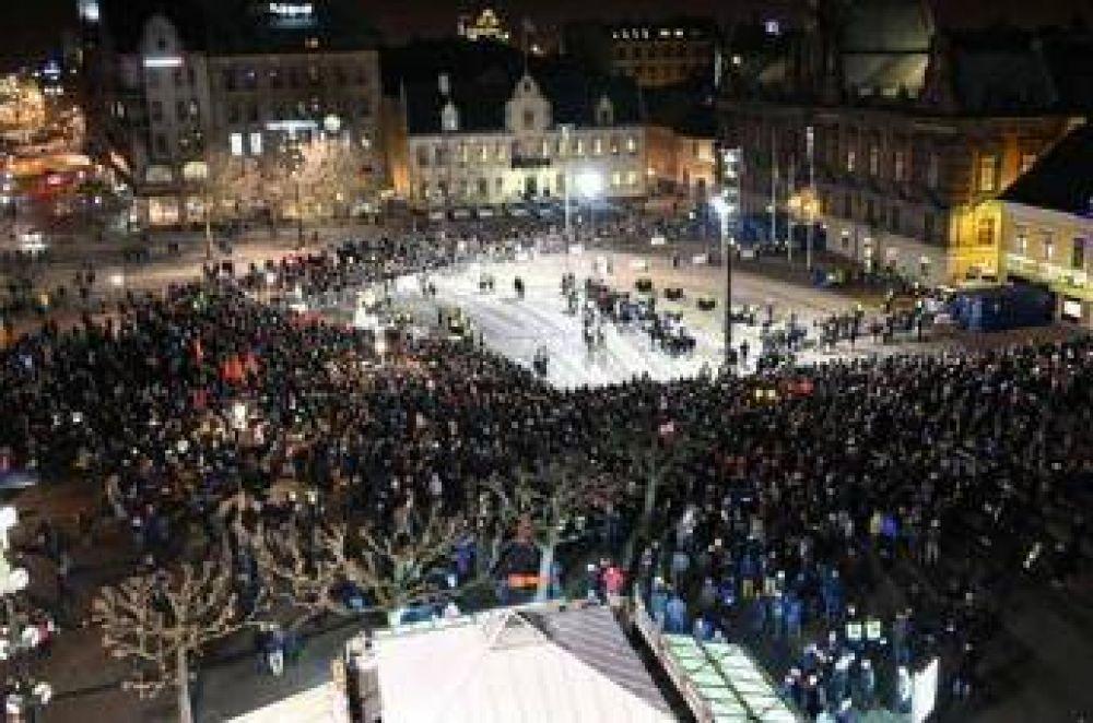 Miles de suecos marcharon contra la islamofobia