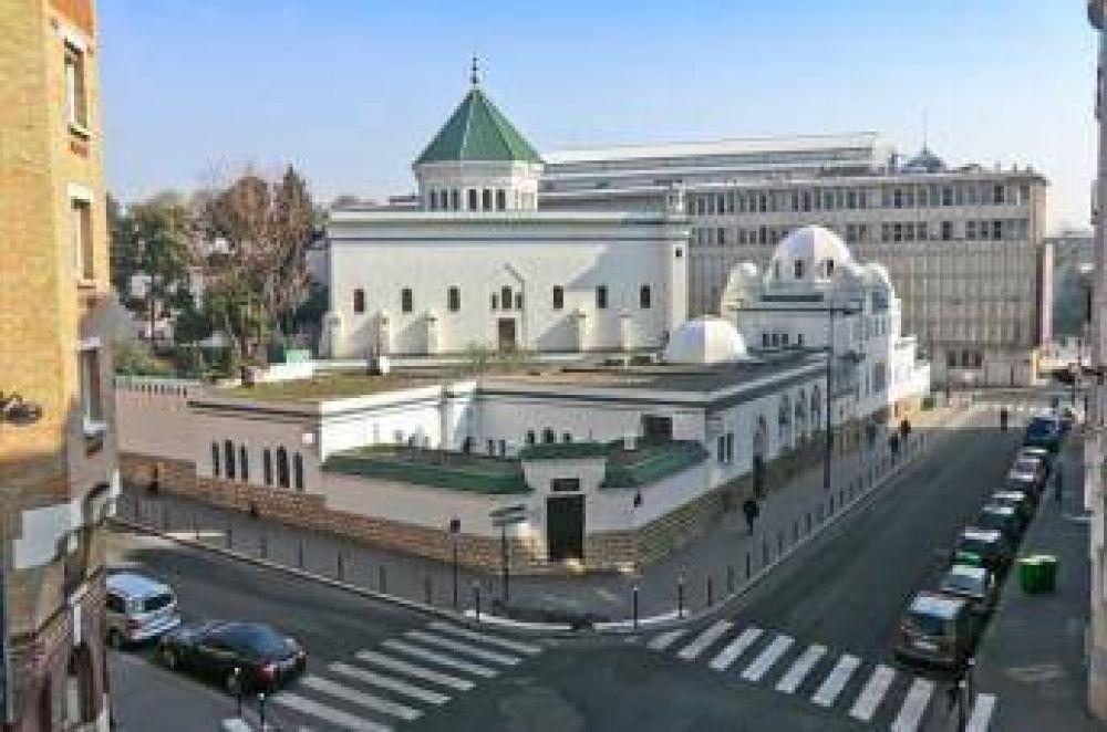 40 franceses abrazaron el Islam en París en enero