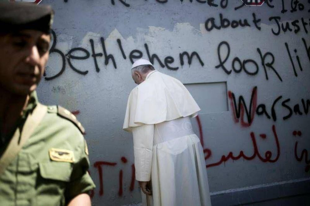 Los alcaldes palestinos visitan al Papa: ayúdanos a detener el Muro