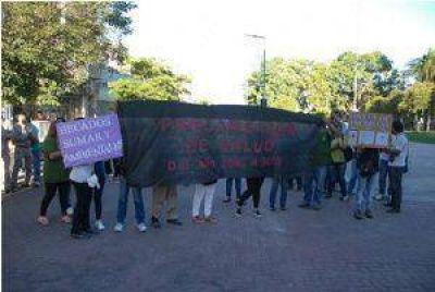 Trabajadores precarizados de Salud piden contratos