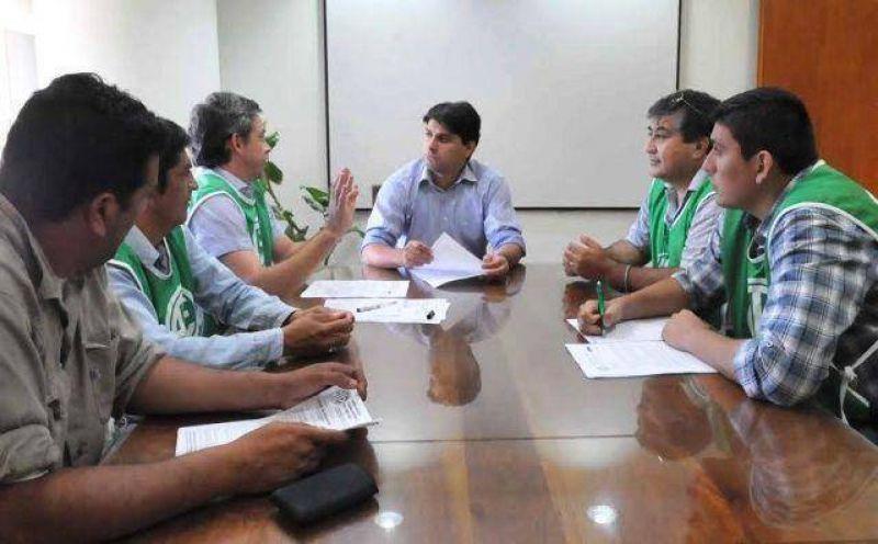 El ministro de Hacienda continuó con ATE el diálogo salarial