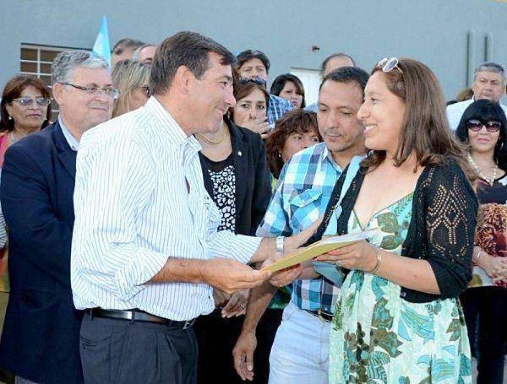Perico – El Gobierno provincial entregó 115 viviendas