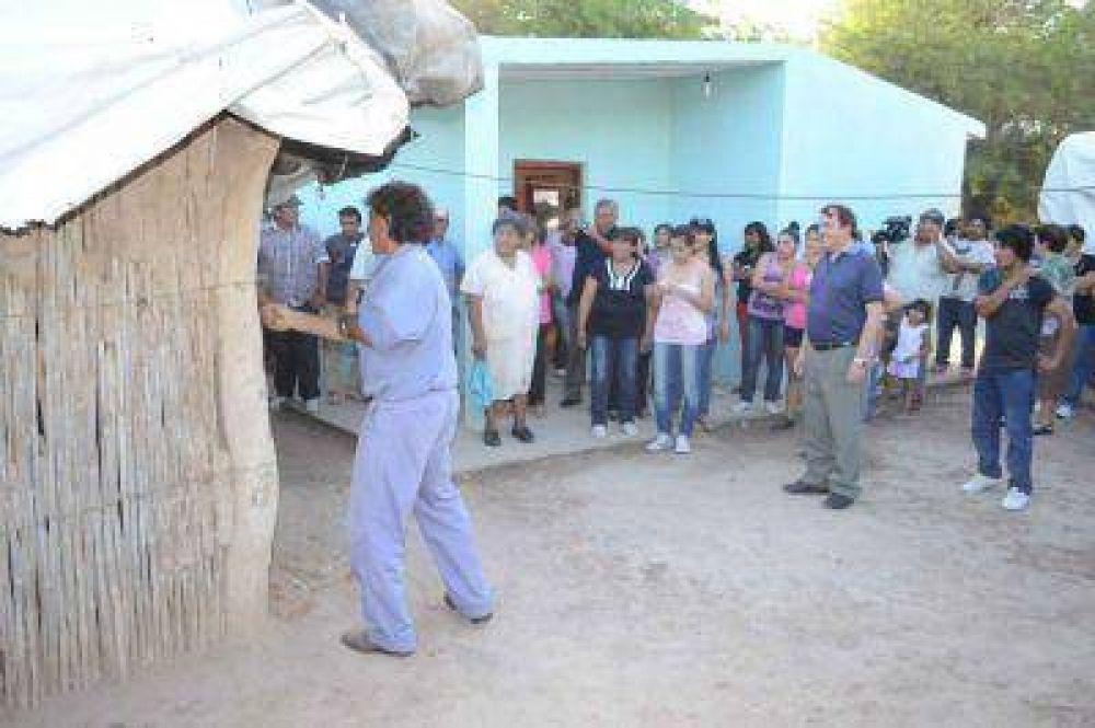 Entregan Vivienda Social en el paraje San Juan Departamento Banda