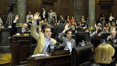 El bloque Pro de la Legislatura manifest� su adhesi�n al 18F