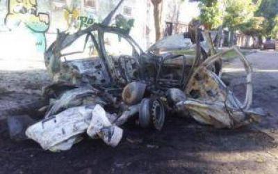 De no acabar: Nuevo ataque de quemacoches en La Plata