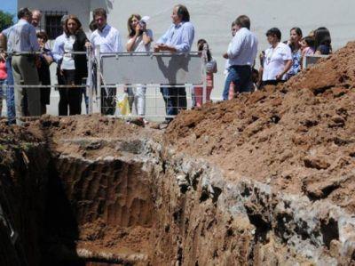 Avanzan obras hidráulicas en el barrio Acindar que mejorarán drenajes pluviales