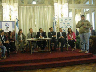 Casamiquela avalará en Tucumán la transferencia de fondos para 10 cooperativas cañeras