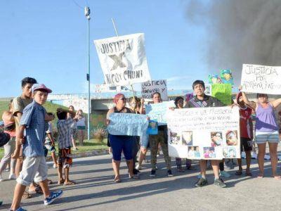 Otro piquete por el homicidio de Adriana Lezcano y su hijo