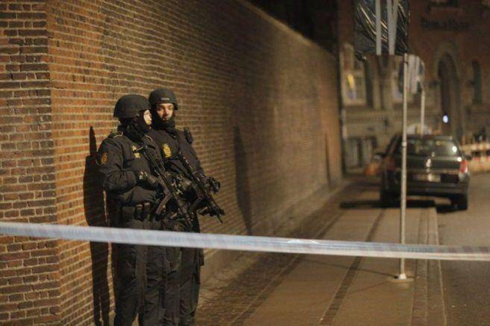 Un muerto y dos heridos en un tiroteo junto a una sinagoga del centro de Copenhague