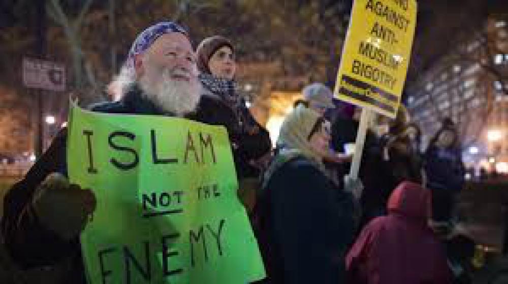Organización islámica condena asesinato de musulmanes en EE.UU
