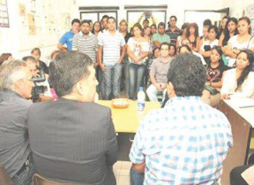 Casas cosechó el apoyo del gremio SERSalud