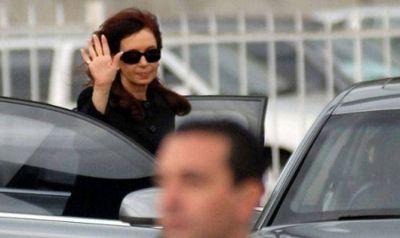 Tras su paso por Chapadmalal, Cristina vuelve hoy y seguirá el 18F desde Olivos