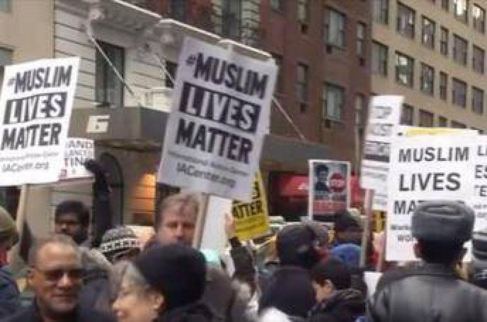 Protestan en Nueva York contra censura mediática de actos islamófobos