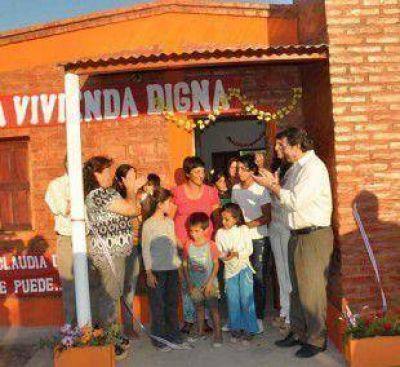 Inauguran más viviendas sociales