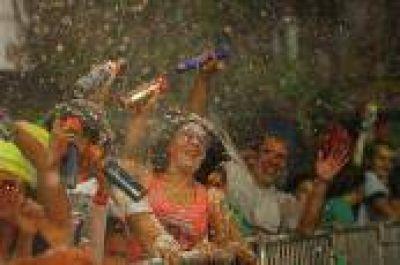 """Con más de 80 mil personas Kamarr coronó un cierre espectacular de """"El Carnaval de la Región"""" en Ensenada"""