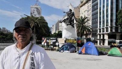 Nuevo reclamo qom: volvieron a acampar en plena 9 de Julio
