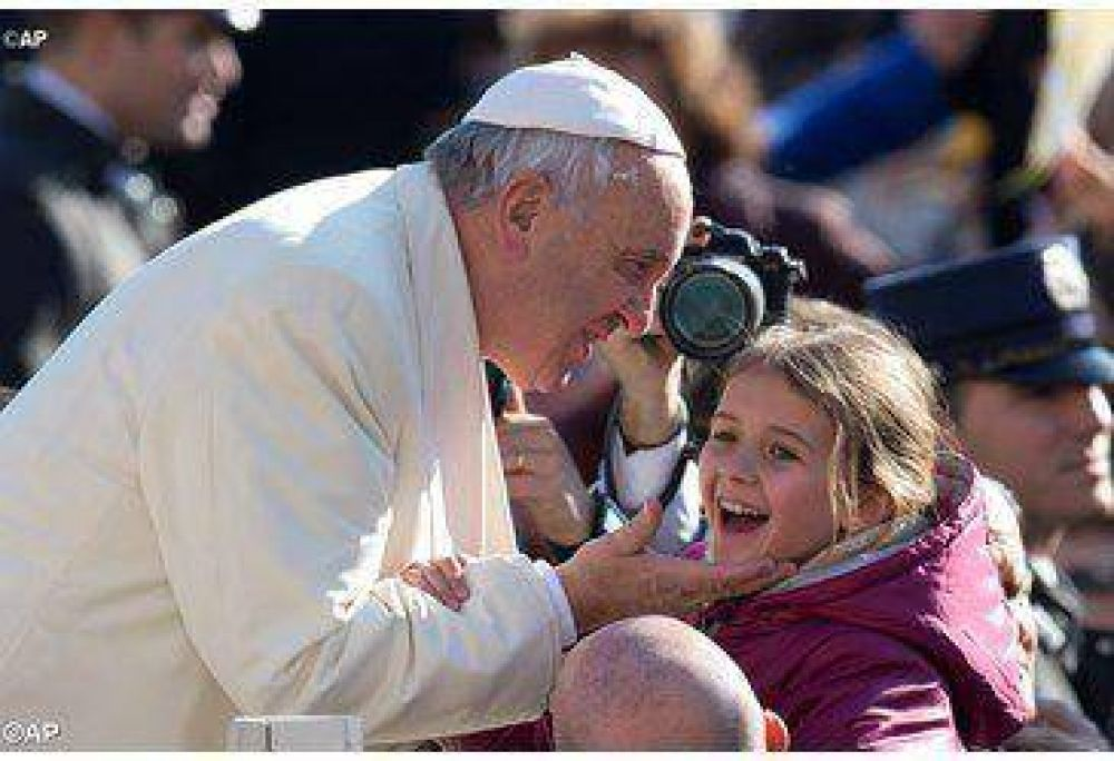 Con Jesús la hermandad se dilata superando toda diferencia, dijo el Papa