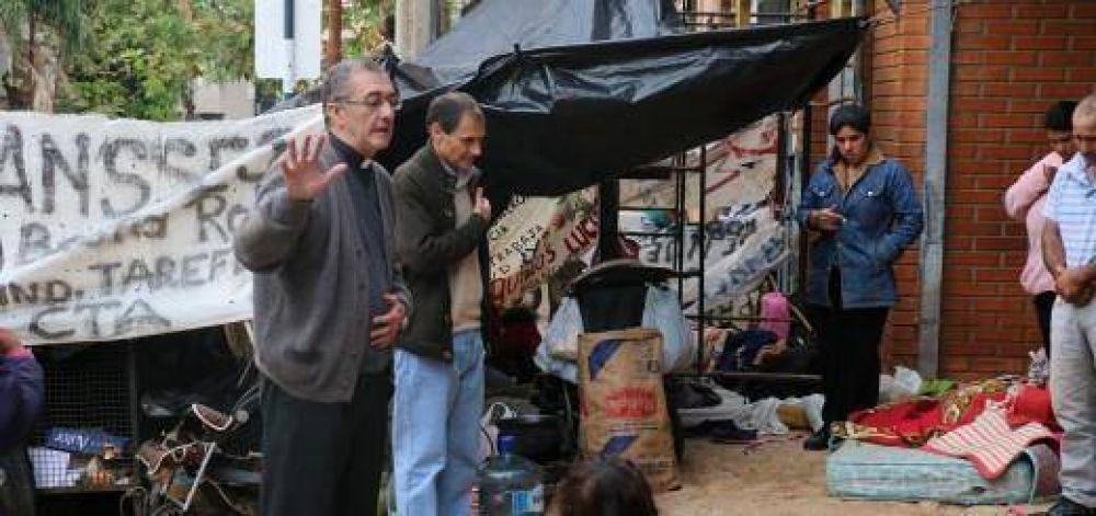 """Mons. Martínez: Urge asumir la opción por los """"leprosos"""" de este tiempo"""
