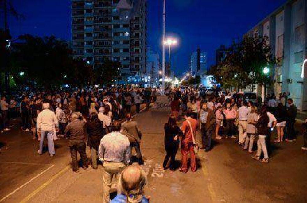 Marcha por Nisman: unas 600 personas expresaron su adhesión en Santa Rosa