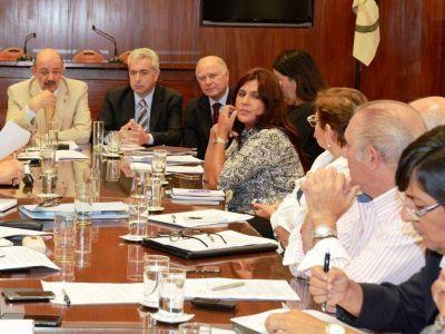 Ley de paritarias: hoy se reúnen con los gremios
