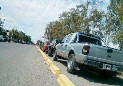 Fuertes multas por estacionar en las bicisendas