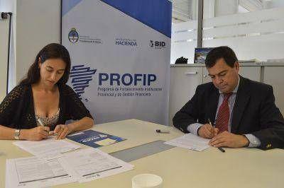 Importante firma de convenio entre el PROFIP y el Ministerio de Producción