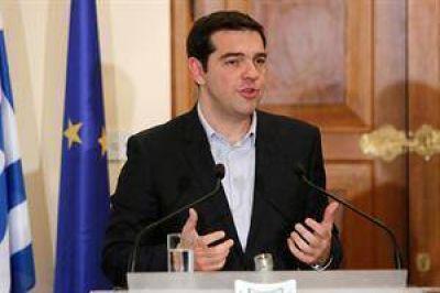 Tsipras les declara la guerra a los