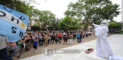 #18F: Una multitud marchó en La Plata para homenajear a Nisman