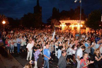 Un gran número de nicoleños acompañó la marcha por Nisman