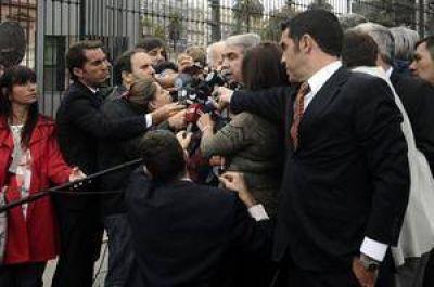 El Gobierno criticó con dureza la marcha y calificó a los fiscales de desestabilizadores