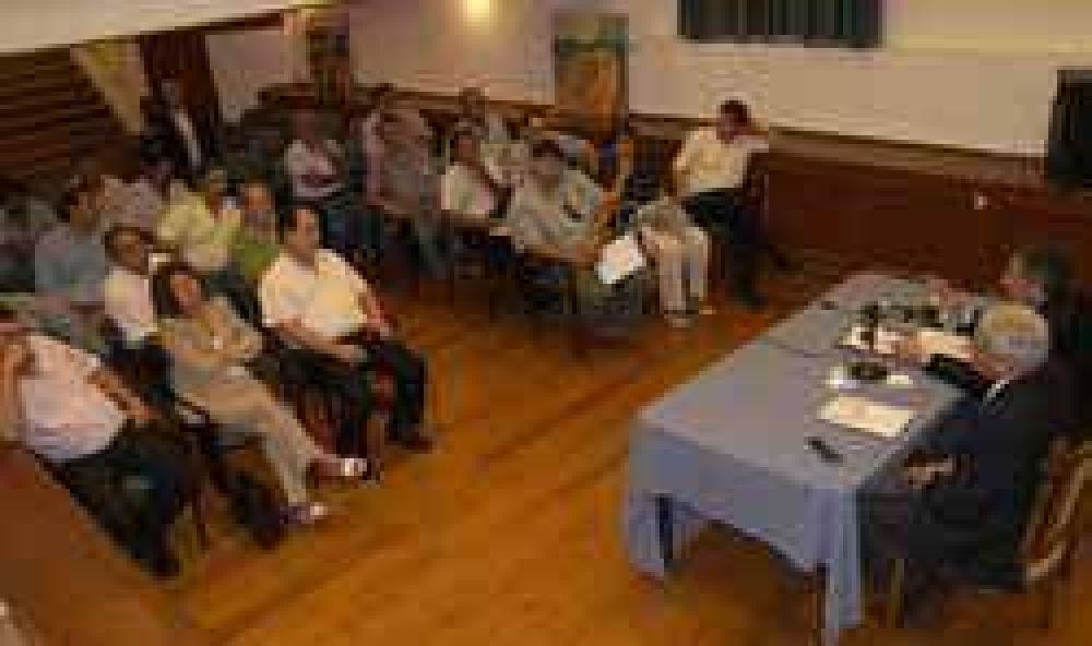 Se reunió la Mesa de Dialogó, los gremios docentes presentaron una propuesta de incremento salarial