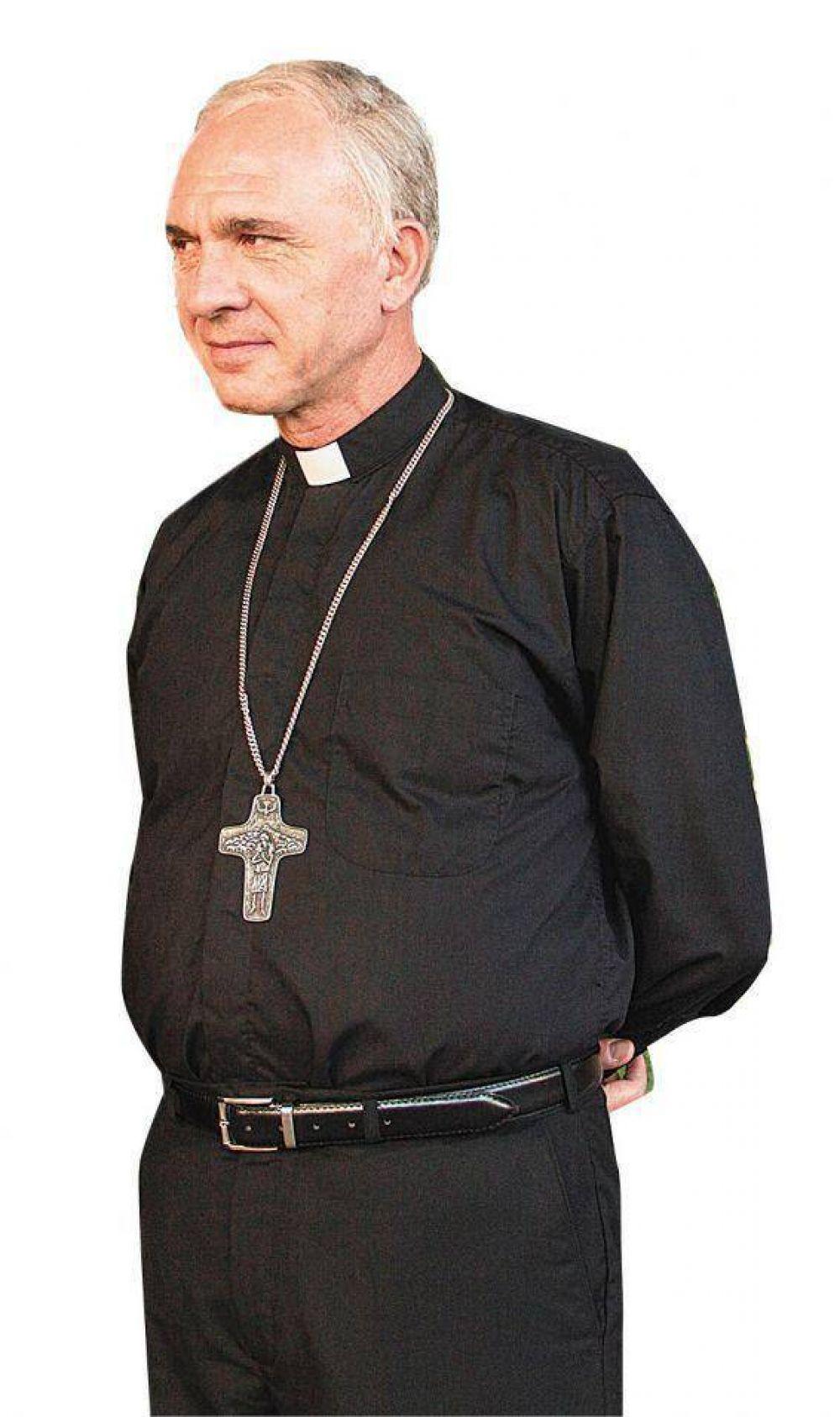 Cómo contar la vida del Papa argentino, un cura que no era de escritorio