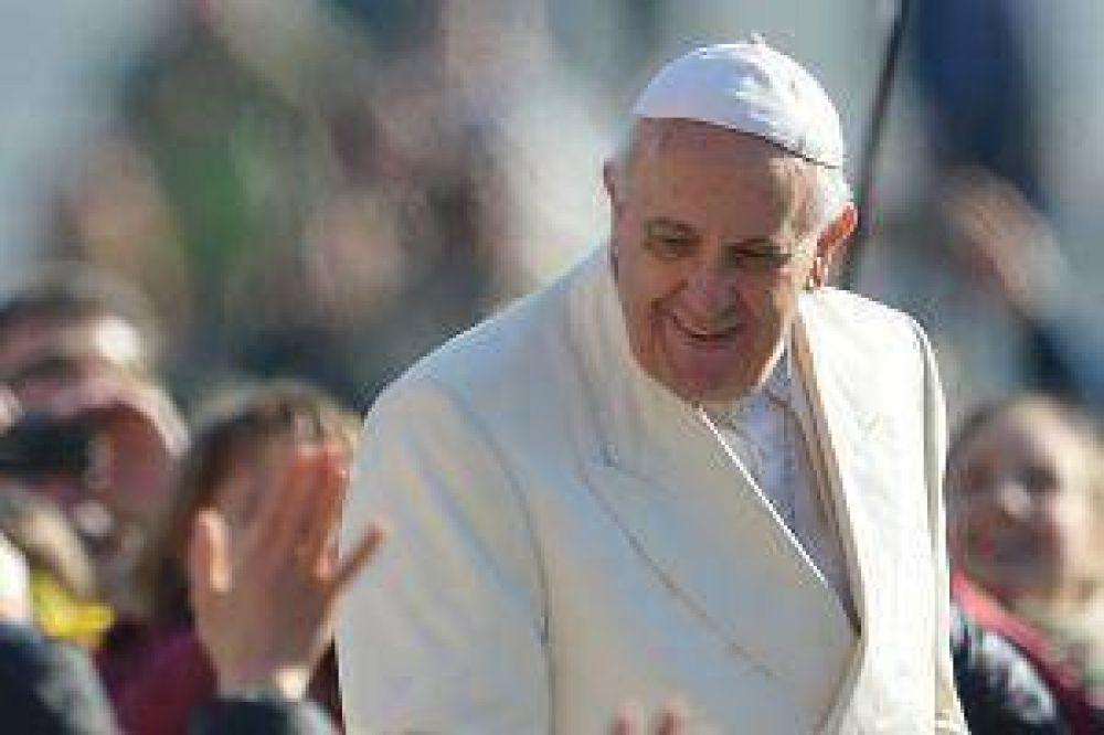 Curas casados, en la agenda del Papa