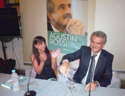 Rossi presentó su libro en Olivos