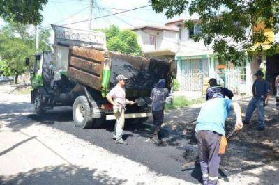 Informe de bacheos en barrios de Varela