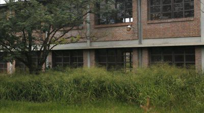 Las escuelas esperan a los chicos con muchos edificios deteriorados