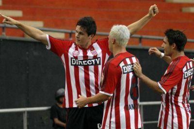 Estudiantes llega afilado para el clásico: le ganó a Godoy Cruz en La Plata