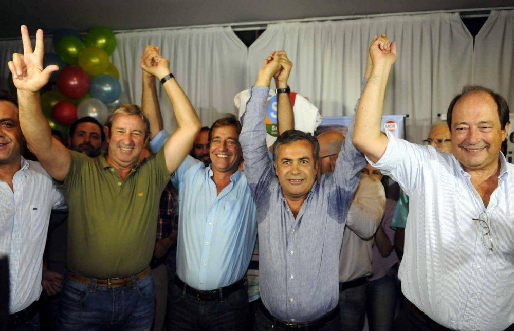 Aplastante triunfo de Suárez y la UCR