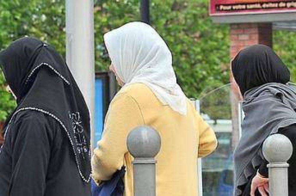 Votarán una ley contra el hiyab en los jardines de infantes en Francia