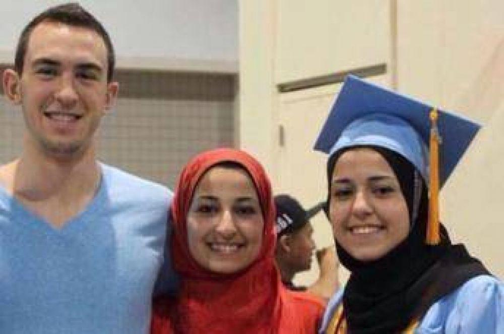 Crean fondo de becas de estudio en homenaje a los 3 musulmanes asesinados en EE.UU